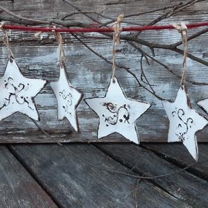 Vintage csillagok- karácsonyi country dekoráció, díszek , Karácsony & Mikulás, Karácsonyfadísz, Fehér csillagok a vintage jegyében,  Felfűzheted, akaszthatod fára, falra ,gallyakra, szép dekoratív..., Meska