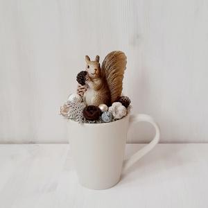 Mókus bögrében-karácsonyi asztaldísz, dekoráció, bögredísz, téli dísz, - Meska.hu