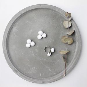 Fehér bogyós fülbevaló, dupla gyűrűvel, Ékszer, Ékszerszett, Ékszerkészítés, Varrás, Meska
