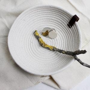 Nemesacél gyűrű, Ékszer, Gyűrű, Kerek gyűrű, Ékszerkészítés, Nemesacél gyűrű, fával.\nA nemesacél rész, akár pici tükörként is jól funkcionál. :)\n\nMéret: 4cm..., Meska