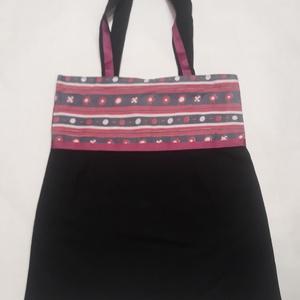 Fekete-rózsaszín táska, NoWaste, Táska, Divat & Szépség, Táska, Szatyor, Válltáska, oldaltáska, Varrás, A táska fekete és rózsaszín vászonból készült, béléssel és egy zsebbel belül.\nMéretek:40×35cm\nFülek:..., Meska