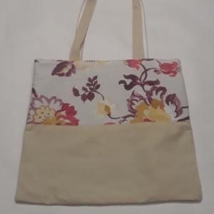 Virágos táska, NoWaste, Bevásárló zsákok, zacskók , Táska, Divat & Szépség, Táska, Szatyor, Válltáska, oldaltáska, Varrás, A táska bézs, és virág mintás vászonból készült, bélelve, belül egy zsebbel és kulcstartó karabinerr..., Meska