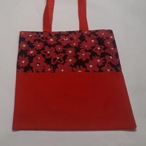Piros virágos táska, NoWaste, Bevásárló zsákok, zacskók , Táska, Divat & Szépség, Táska, Válltáska, oldaltáska, Szatyor, Varrás, A táska piros, és virág mintás vászonból készült, bélelve, belül egy zsebbel és kulcstartó karabiner..., Meska