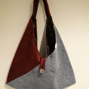 Bordó és farmerkék origami háromszög táska, Táska, Divat & Szépség, Táska, Szatyor, Tarisznya, Válltáska, oldaltáska, Varrás, Bordó és farmerkék színű vastag erős, kárpitos bútorszövetből készült táska. Bélelve, belül egy cipp..., Meska