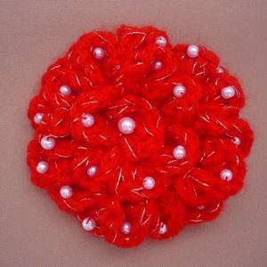 Piros-ezüst horgolt virág bross - Meska.hu