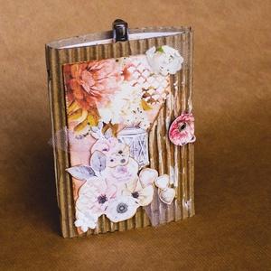Virágos, mintás jegyzetfüzet, Otthon & lakás, Naptár, képeslap, album, Jegyzetfüzet, napló, Papírművészet, A füzet mérete 16 cm x 11 cm. 20 fehér lapot tartalmaz. A lapokat natúr zsinór rögzíti. Hozzá tartoz..., Meska