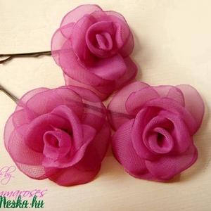 Mini rózsa-szett pink árnyalatban, Táska, Divat & Szépség, Ruha, divat, Hajbavaló, Hajcsat, Varrás, RENDELHETŐ\nVisszafogott, aprócska rózsákat varrtam hullámcsatra, ami visszafogott eleganciát kölcsön..., Meska