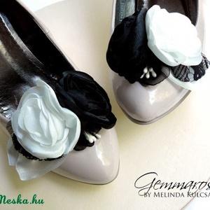 Fekete-ekrü - bokréta cipőklipsz  (gemma) - Meska.hu