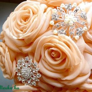 Barack rózsacsokor brossokkal (gemma) - Meska.hu