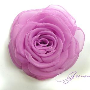 Kikerics rózsa - kitűző/hajcsat, Táska, Divat & Szépség, Ruha, divat, Hajbavaló, Hajcsat, Ennek a klasszikus organzarózsának minden egyes szirmát magam alakítottam, varrtam. A gyönyörű őszi ..., Meska