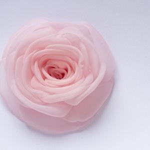 Babarózsaszín  rózsa - kitűző/hajcsat (gemma) - Meska.hu