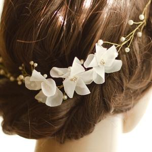 Gyöngyös arany színű fejdísz virággal (gemma) - Meska.hu