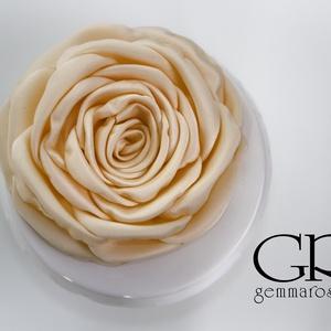 Barack  rózsa - kitűző/hajcsat (gemma) - Meska.hu