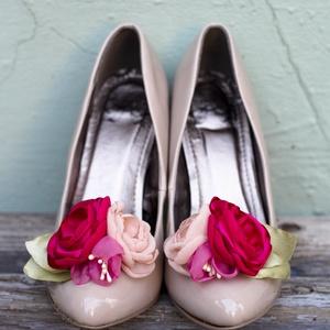 Ciklámen  bokréta- esküvői  / menyasszonyi / báli  cipőklipsz, Otthon & lakás, Esküvő, Dekoráció, Cipő, cipőklipsz, Ezzel a cipőklipsszel egyedivé varázsolhatod cipellőd, szandálod. Rendkívül nőies!  Ajánlom menyassz..., Meska