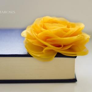 Sárga stilizált  rózsa - kitűző/hajcsat (gemma) - Meska.hu