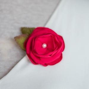 Málna virág hajcsat (gemma) - Meska.hu