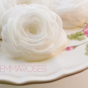 Fehér  rózsa - kitűző/hajcsat (gemma) - Meska.hu