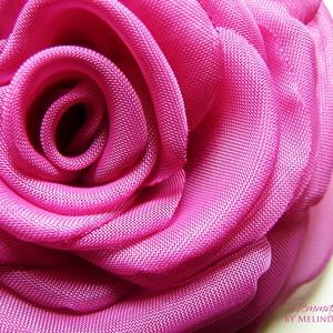 Pink rózsa - Magenta rózsa, Táska, Divat & Szépség, Ruha, divat, Hajbavaló, Hajcsat, PInk (magenta) rózsa   Szirmait egyenként alakítottam, varrtam, hogy a lehető legminőségibb legyen a..., Meska