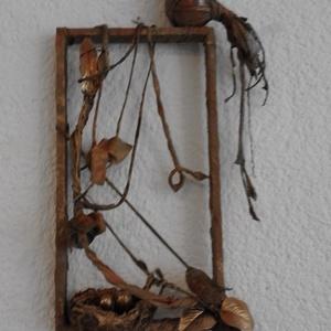 Fészkét őrző madár , Képzőművészet, Otthon & lakás, Szobor, Textil, Szobrászat, Nagyon dekoratív munka. Remélem másnak is tetszik.A keret, amin a madár ül 43 cm hosszú, és 33 cm sz..., Meska