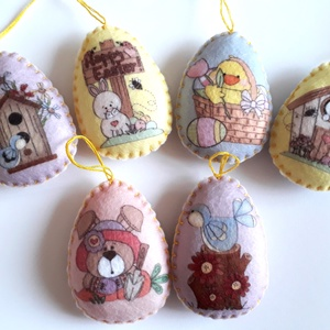 Mintás húsvéti filc tojások 6 db- os csomag, Dekoráció, Otthon & lakás, Húsvéti díszek, Ünnepi dekoráció, Varrás, Hangulatos tojáskák filcből, kézzel szegett, flízzel tömött. Eleje- háta különböző.\nMéret: 6,5 cm x ..., Meska