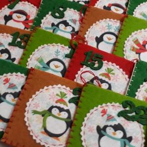 Adventi naptár, pingvines, színes, Otthon & lakás, Dekoráció, Ünnepi dekoráció, Karácsony, Adventi naptár, Varrás, Különböző színes filcekből varrt, 24 db-os adventi naptár, egészében kézzel készült. Kis zsebecskék,..., Meska