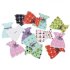 Kislány ruha formájú gombok vegyes színekben, Dekorációs kellékek, Gomb, Varrás, Mindenmás, Gomb, Kislány ruha formájú gombok vegyes színekben\nMérete: 32 m x 29 mm\n10 db/csomag\nÁra: 410 Ft/csomag (4..., Meska