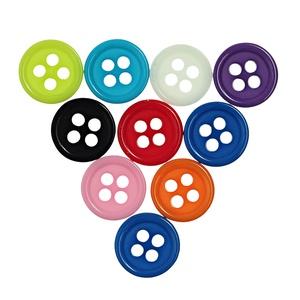 Kerek 9 mm-es négy lyukú gombok vegyes színekben, Dekorációs kellékek, Gomb, Mindenmás, Varrás, Gomb, Kerek négy lyukú gombok vegyes színekben\nMérete: 9 mm\n50 db/csomag\nÁra: 500 Ft (10 Ft/db)\nA csomag v..., Meska