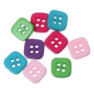 Négyzet formájú négy lyukú gombok vegyes színekben, Dekorációs kellékek, Gomb, Mindenmás, Varrás, Gomb, Négyzet formájú négy lyukú gombok vegyes színekben\nMérete: 11 mm\n20 db/csomag\nÁra: 380 Ft (19 Ft/db)..., Meska