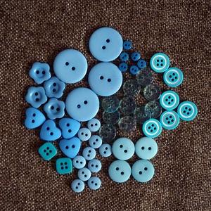 Gyönyörű kék színű gomb válogatás 50 db, Dekorációs kellékek, Gomb, Mindenmás, Varrás, Gomb, Kék színű műanyag gombok csomagban vegyes méretben és formában\nMérete: 6 mm - 23 mm\n50 db/ csomag\n\nÁ..., Meska