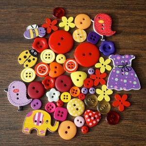 Lányos vegyes színű gombválogatás fa és műanyag gombokkal, Dekorációs kellékek, Gomb, Mindenmás, Varrás, Gomb, Lányos vegyes színű gombválogatás fa és műanyag gombokkal\nMéret: 6 mm - 32 mm \n50 db/csomag\nÁra: 730..., Meska