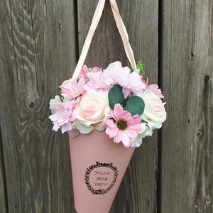 Virágbox, tölcsér, rózsaszín (gervera) - Meska.hu