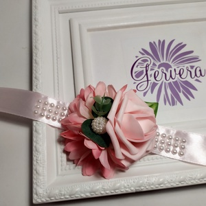 Rószaszín csuklódísz, Esküvő, Esküvői csokor, Esküvői dekoráció, Hajdísz, ruhadísz, Virágkötés, Prémium minőségű, élethű selyem virágból készítettem.\nEgyedi, elegáns kiegészítő.\nÁrmérője:9 cm\nA sz..., Meska