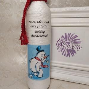 Vicces zsinórozott karácsonyi üveg , Karácsony & Mikulás, Decoupage, transzfer és szalvétatechnika, Kérj rá nevet, hogy igazán egyedi legyen!\n\nHátoldalra felirat kérhető!\nPálinkás üveget zsinóroztam, ..., Meska