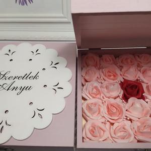 Szeretlek Anyu, doboz tele rózsával, Esküvő, Emlék & Ajándék, Köszönőajándék, Decoupage, transzfer és szalvétatechnika, \nFa dobozban gyönyörű habrózsák, egyedi felirattal, tökéletes ajándék édesanyádnak, hogy kifejezd a ..., Meska