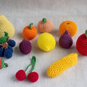 Horgolt gyümölcsök (12 db) , Játék & Gyerek, Készségfejlesztő & Logikai játék, Horgolás, Varrás, Régóta horgolok, most horgolt gyümölcsöket készítettem. A gyümölcsöket szilikonizált poliészter goly..., Meska