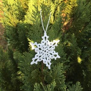 karácsonyi dísz , Dekoráció, Otthon & lakás, Ünnepi dekoráció, Karácsony, Karácsonyfadísz, Karácsonyi dekoráció, Horgolás, Közeleg a karácsony, és egyre divatosabbak a kézzel készült karácsonyi dekorációk.\nNálunk a karácson..., Meska
