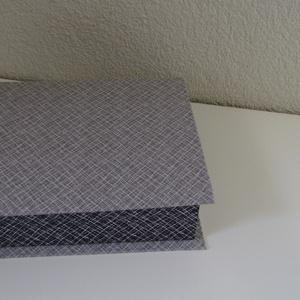 Doboz, Ékszer, Ékszertartó, Ékszerdoboz, Mindenmás, Textillel bevont kartonból készült doboz. Alkalmas zsebkendő, ékszerek, valamint apró tárgyak tárolá..., Meska