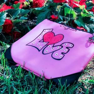 Buli táska LOVE (Táska, övtáska, neszesszer egyben)  (Gigush) - Meska.hu