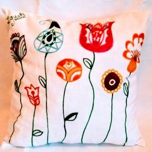 Díszpárna virágos (Gigush) - Meska.hu
