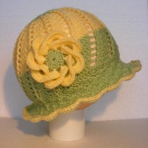 Horgolt zöld-sárga kislány kalap 6-9 hónapos korig, Ruha & Divat, Sál, Sapka, Kendő, Kalap, Horgolt zöld-sárga kislány kalap 6-9 hónapos korig. Kézmeleg 30 fokos vízben kézzel mosható. Méret: ..., Meska