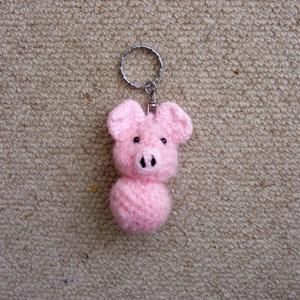 Malackás táskadísz / kulcstartó, Táska & Tok, Kulcstartó & Táskadísz, Táskadísz, Malacka kulcstartót horgoltam rózsaszín fonalból, ami táskadíszként is használható. Először a fejet ..., Meska