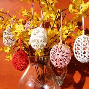 Horgolt húsvéti tojás, Otthon & lakás, Dekoráció, Ünnepi dekoráció, Húsvéti díszek, Dísz, Csipkekészítés, Horgolás, A horgolt tojások 100% pamut horgolócérnából készítettem, majd, mindegyiket kikeményítettem, ezután ..., Meska