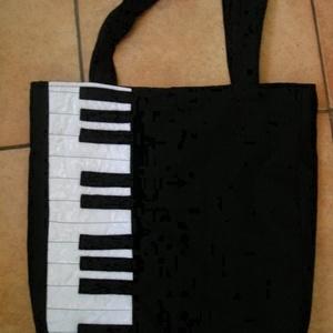 Zongora táska  - Meska.hu