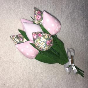 Textil bimbós tulipán , Dekoráció, Otthon & lakás, Csokor, Varrás, A tulipán bimbó színes textilből készült amit vetexel tömtem ki. Szára hurkapálcából van amit zöld a..., Meska