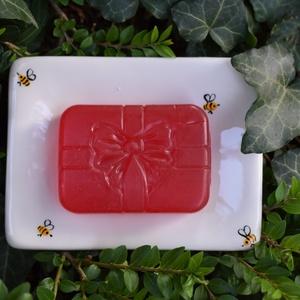 Szabad szappanozni!, Otthon & lakás, Lakberendezés, Tárolóeszköz, Vicces kis szappanágyikó, kétszer égetett kerámiából, szeretettel:) A méhecskéket a máz alá festette..., Meska