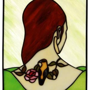 A tetoválás tiffany üveg kép 20x24 cm, Művészet, Más művészeti ág, Üvegművészet, Egy fiatal lány szép tetoválását látod a kép fókuszában. A tetoválásnak és a fiatal női nyak szépség..., Meska