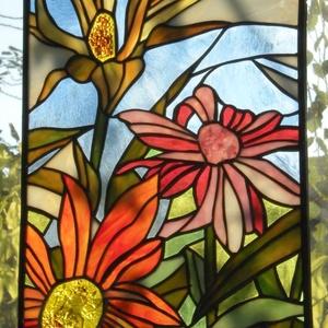 Virágok-ablakdísz, Otthon & Lakás, Dekoráció, Ablakdísz, Üvegművészet, Színes virágokat ábrázoló ablakdísz, Tiffany technikával készült, ólom keretbe foglalva, damil felfü..., Meska
