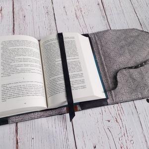 Könyvtok / Könyv védő tok / Bohóc és lufi valódi bőr könyvborító  / horror könyv védő borító (globerina) - Meska.hu