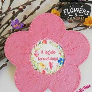 Anyák napi virág, Csokor & Virágdísz, Dekoráció, Otthon & Lakás, Varrás, Anyák napi virág\nTökéletes,maradandó emlék anyáknak,nagyiknak. 18 cm nagyságú 3mm vastag felakasztha..., Meska