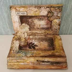 Nyitott könyv dekoráció , Otthon & lakás, Dekoráció, Képzőművészet, Vegyes technika, Lakberendezés, Asztaldísz, Festett tárgyak, Mixed media technikával díszített nyitott könyv dekoráció.\nMérete: 21 x 18 x 15 cm, tömege: 610 g. \n..., Meska
